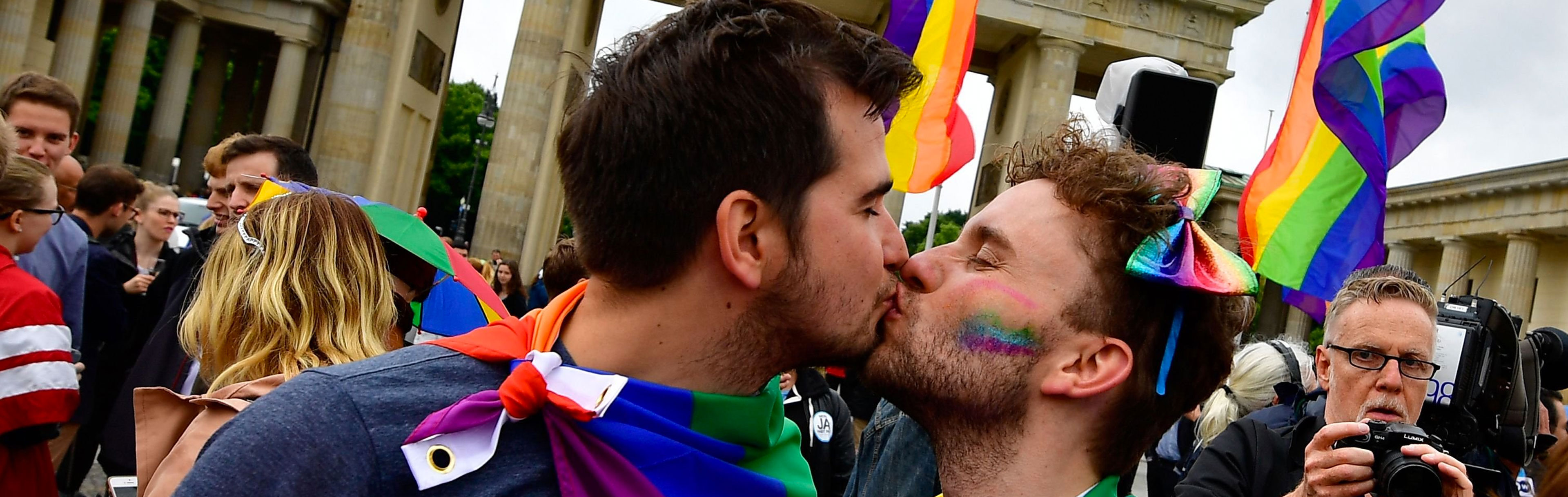 There's one thing keeping gay republicans in the closet